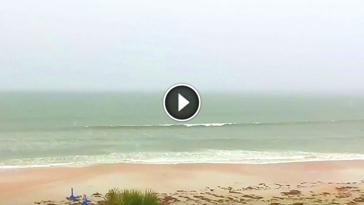 Man Films Ocean During Storm. What He Captured Sent Chills Down My Spine!
